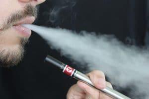 Cigarette électronique : pourquoi faire le choix de l'e-liquide D'lice ?